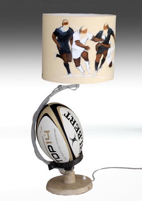 Artisanat art sport rugby : Lampe avec un abat jour sur le rugby