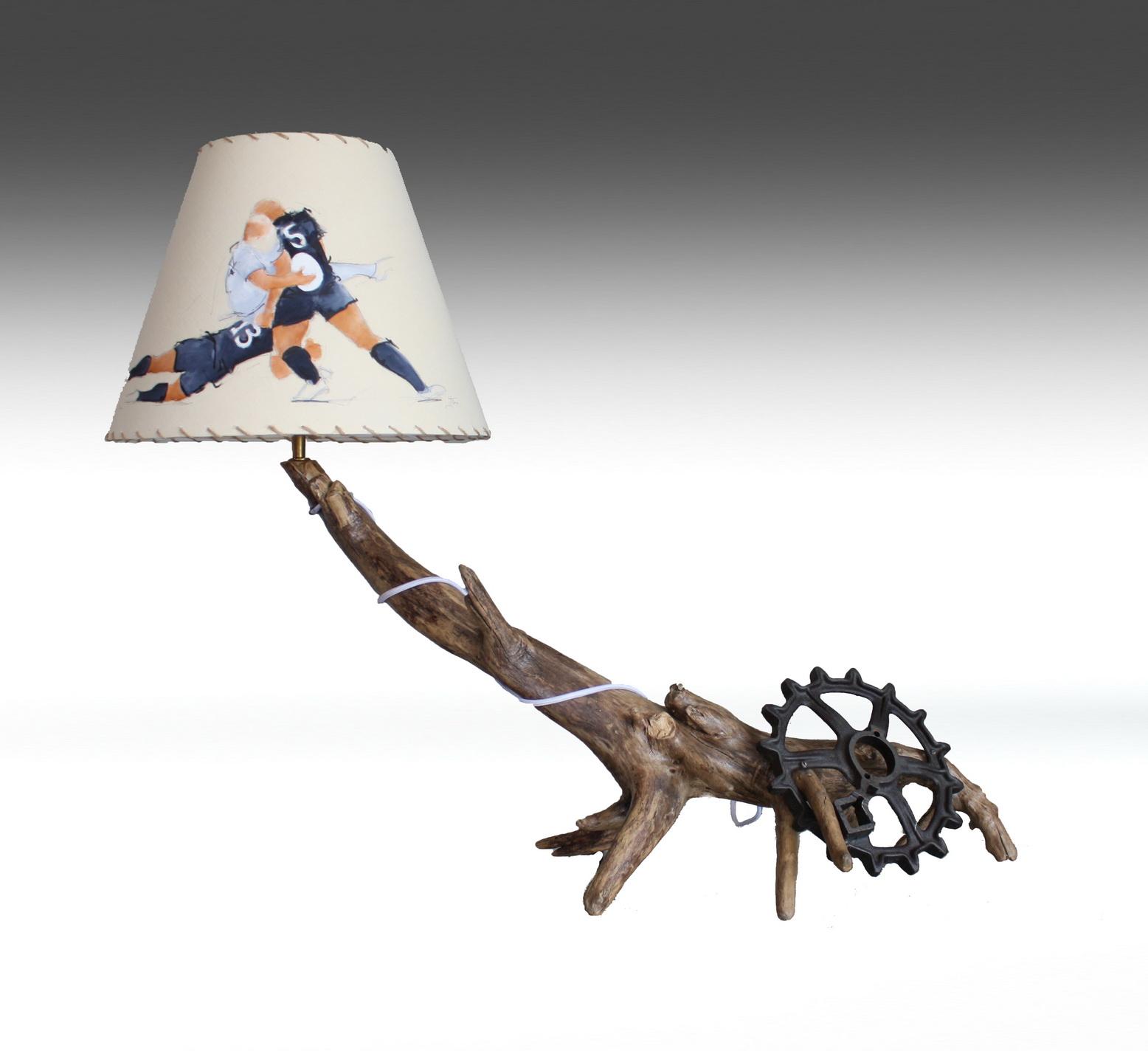 Artisanat d'art SPORT Rugby : Lampe en bois flotté avec un abat-jour sur le rugby et les All Blacks