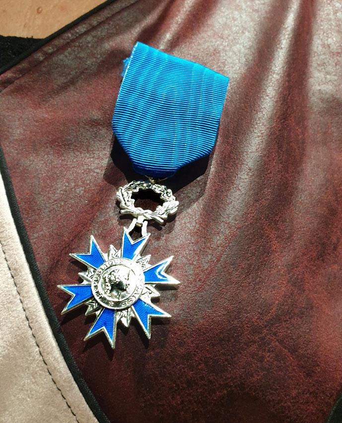 USI : Nicole Boeuf récompensée de la médaille de chevalier de l'ordre du mérite