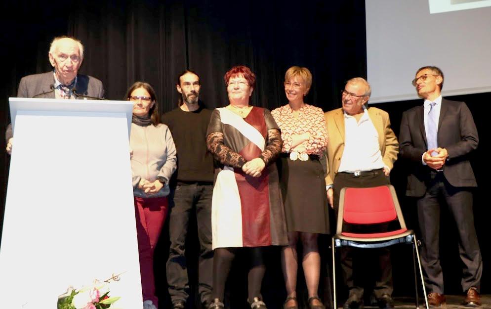 Nicole Bœuf récompensée de la médaille de chevalier de l'ordre du mérite